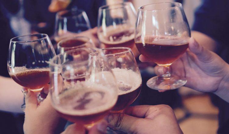 Festa e bares Solteiros vs casados Vida Nocturna