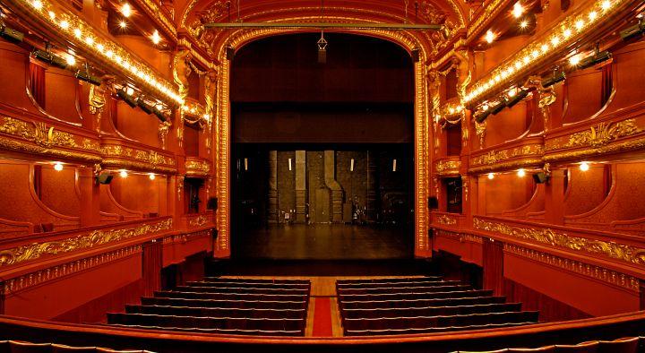 teatro nacional de sao joao porto