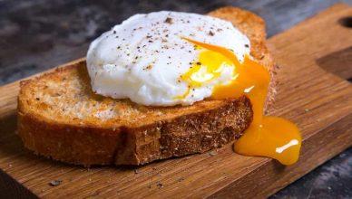 ovos escalfados como escalfar ovos